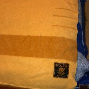Vintage Early's of Witney Wool 3 1/2 Point Blanket